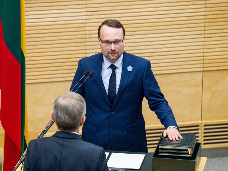 Kultūros ministras: įvedant saugiklius, būtina išsaugoti žodžio laisvę