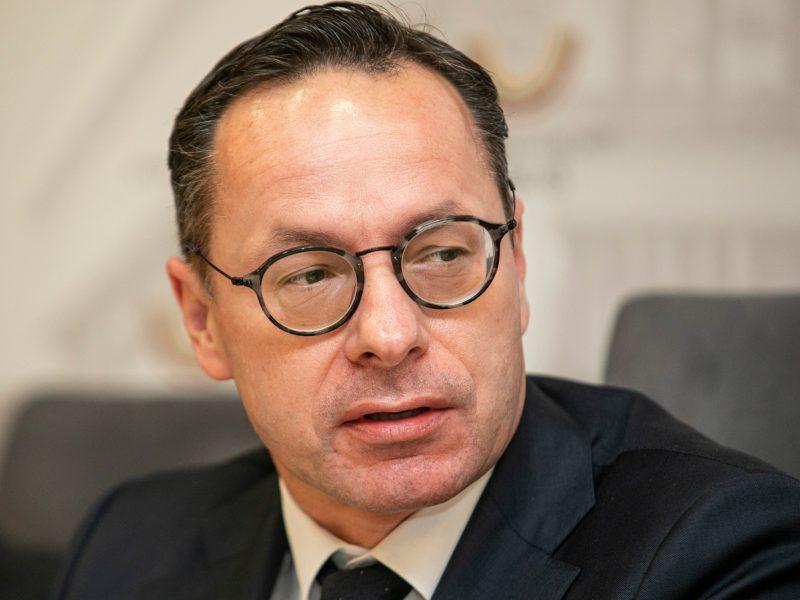 Seimas komandiravo Ž. Pavilionį į Sakartvelą padėti spręsti politinę krizę