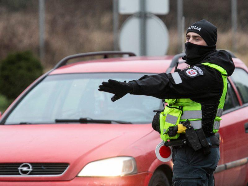 Policija paaiškino dėl judėjimo žiedinėse savivaldybėse: kur važiuoti galima?