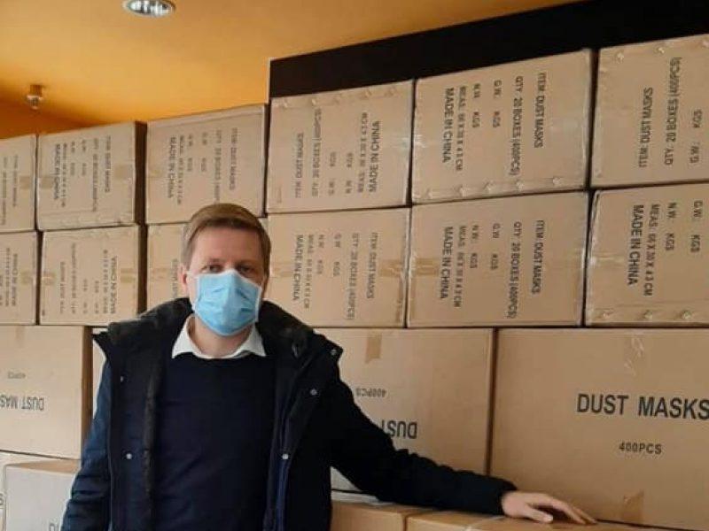 Vilnių pasiekė kol kas didžiausia – 22 tūkst. respiratorių siunta