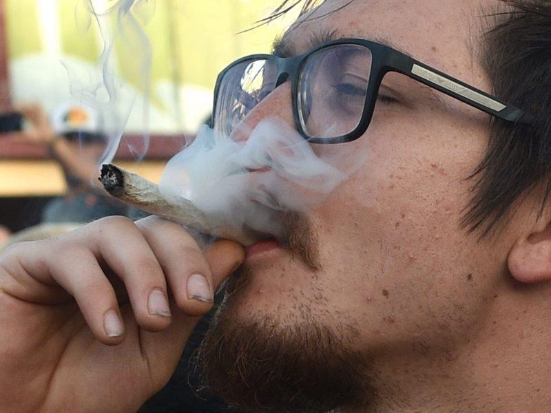 """Meilės dieną jaunuoliai šventė rūkydami """"žolę"""""""