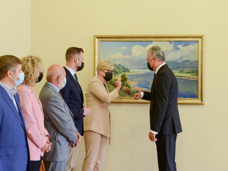 Prezidentas susitiko su partijų lyderiais