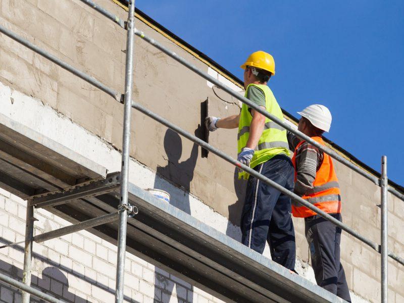 """Nelegalaus darbo """"lyderiu"""" išlieka statybų sektorius: pričiuptieji tiesiog pabėga"""