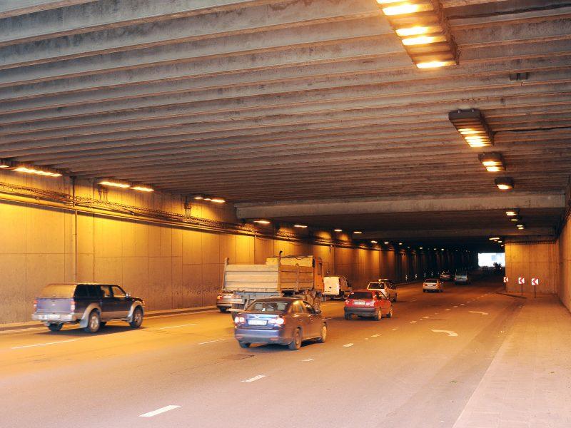 Vilniuje, Geležinio Vilko gatvės tunelyje, susidūrė keturi automobiliai