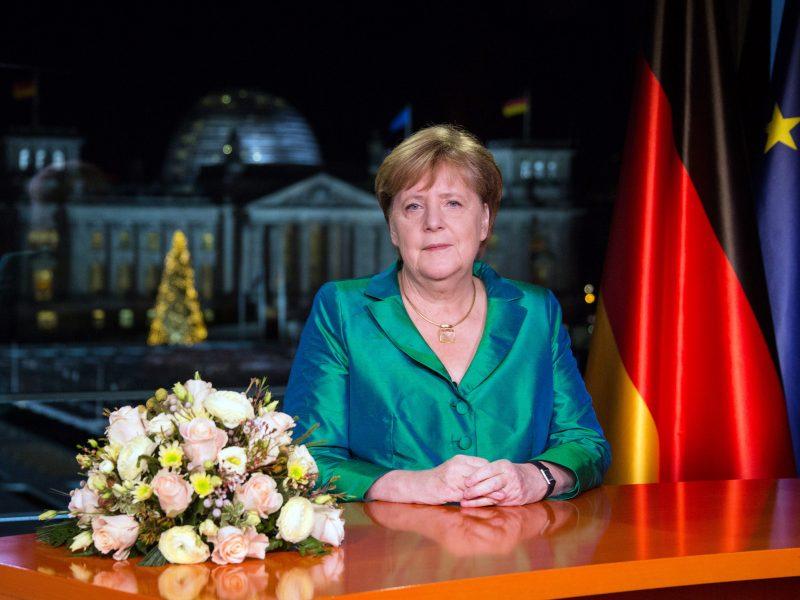 A. Merkel 15-ojo kancleriavimo jubiliejaus proga – ir sveikinimai, ir kandžios replikos