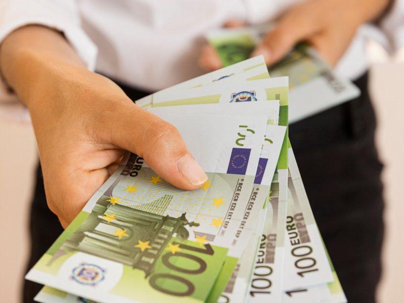 Nuo sausio 1-osios – nauji mokesčiai ir išmokos: svarbiausi pokyčiai