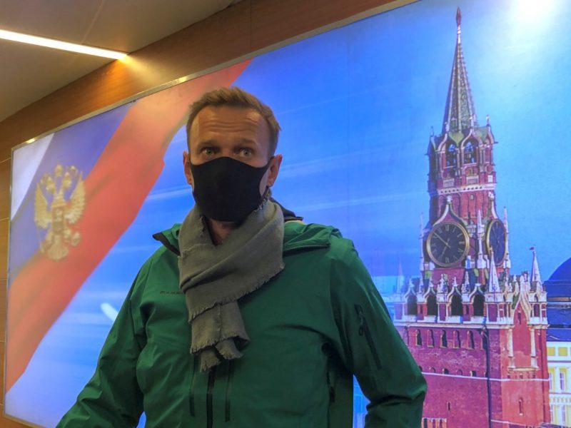 Kremliaus kritikas A. Navalnas grįžo į Maskvą, oro uoste jį sulaikė policija