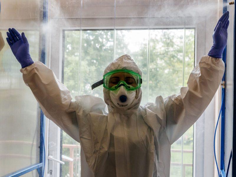 Iš Kinijos atkeliavo dar viena respiratorių siunta medikams