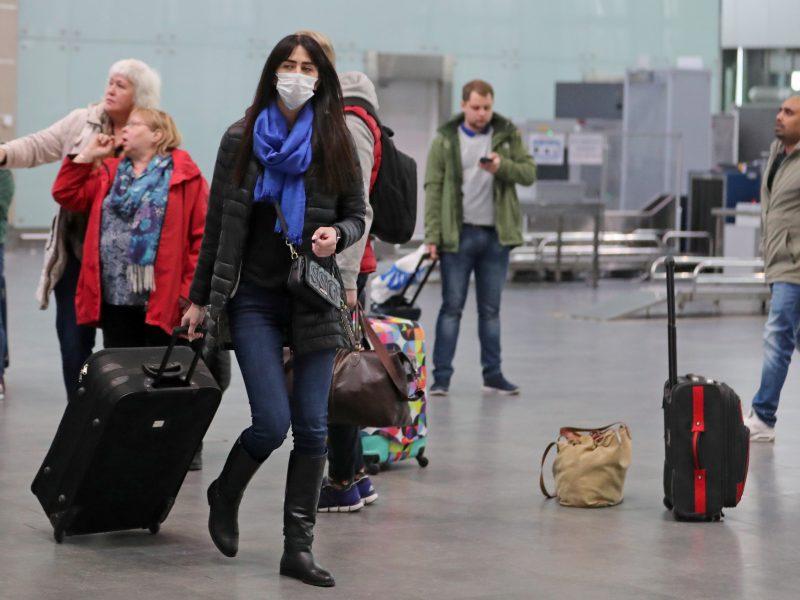 Parskrenda dar keli lėktuvai su lietuviais, Klaipėdoje laukiama keltų