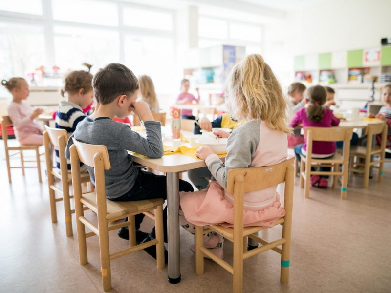 Penktadalis naujų COVID-19 židinių – švietimo įstaigose, ieškoma, kaip juos valdyti