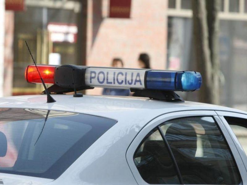 Klaipėdoje bandyta apiplėšti nedidelę parduotuvę: ieškomi įtariamieji
