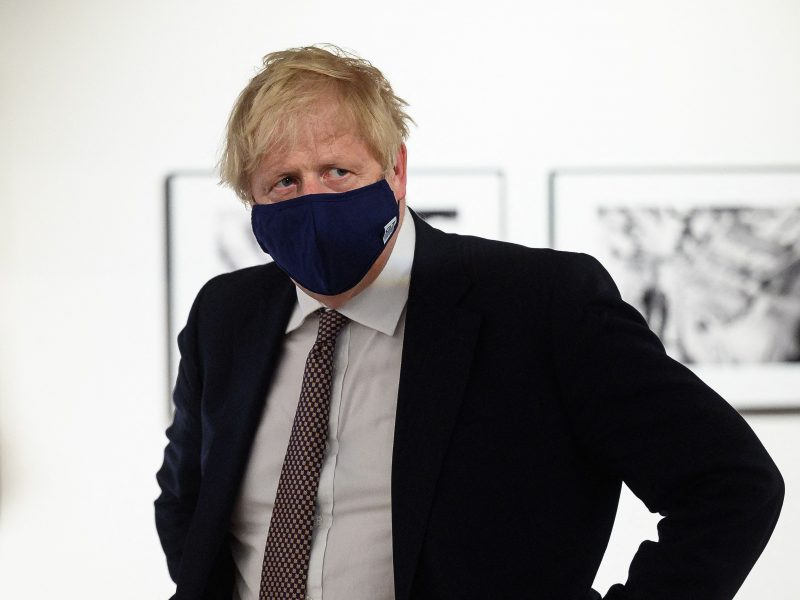 """B. Johnsonas: G-7 susitikimas – """"puiki galimybė"""" pradėti atsigavimą nuo COVID-19"""