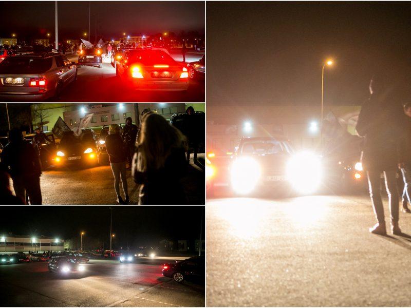 Vakarinio Kauno gatvėmis nusidriekė didžiulė automobilių kolona