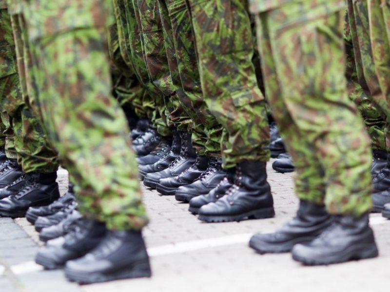 Po skandalingo incidento viešbutyje Vokietija iš Lietuvos susigrąžina dar apie 30 karių