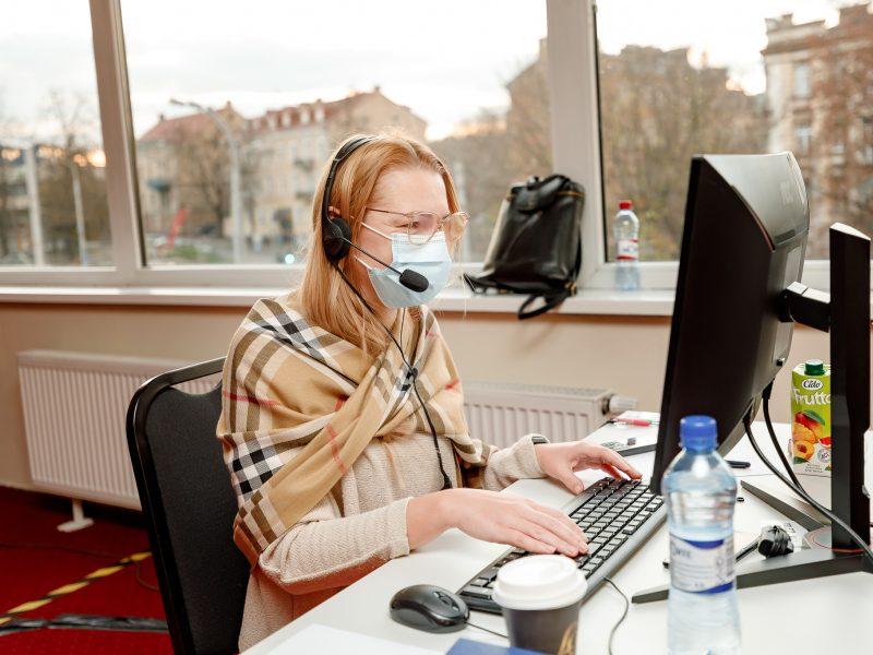 Papildomas COVID-19 skambučių centras: jungiasi nauji rėmėjai, skaičiuoja pirmuosius rezultatus