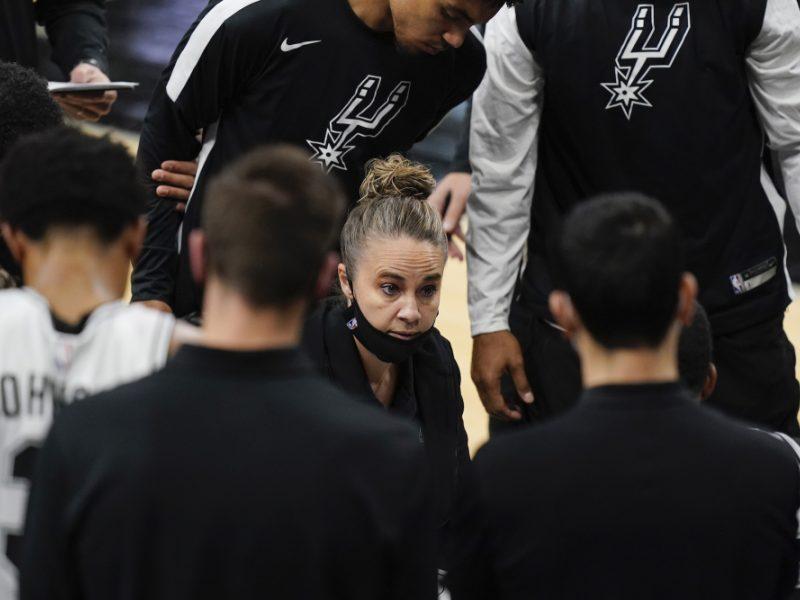 """""""Spurs"""" vairą perėmusi B. Hammon NBA užfiksavo istorinį įvykį"""