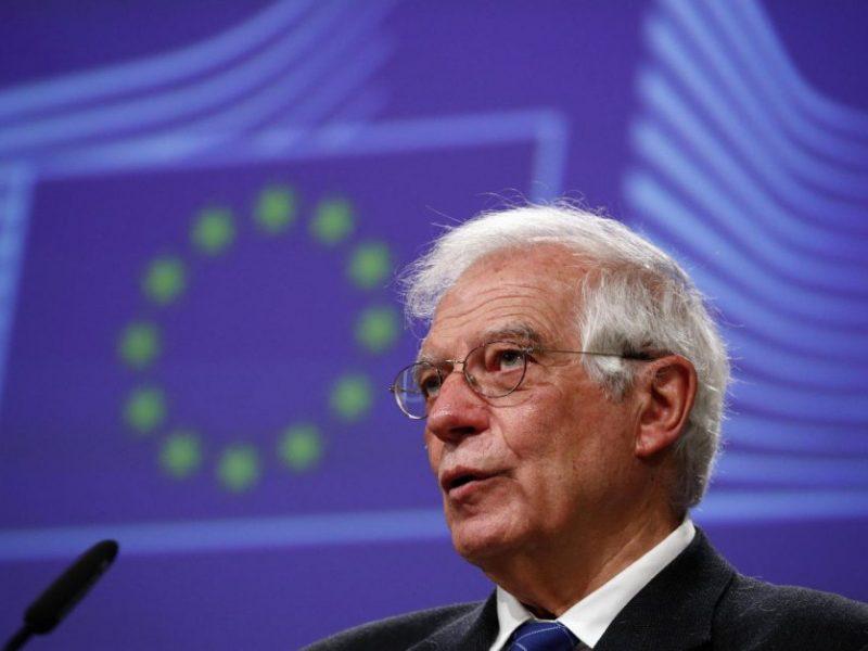 J. Borrellis: ES turėtų atsargiau taikyti sankcijas