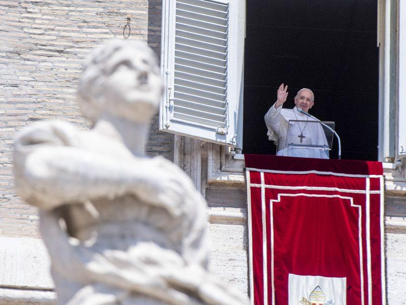 """Popiežių """"slegia skausmas"""" dėl sprendimo Švč. Išminties soborą paversti mečete"""