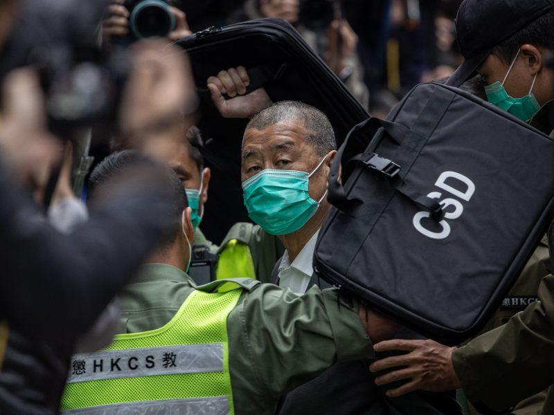 Honkongo žiniasklaidos magnatui J. Lai skirta papildoma laisvės atėmimo bausmė