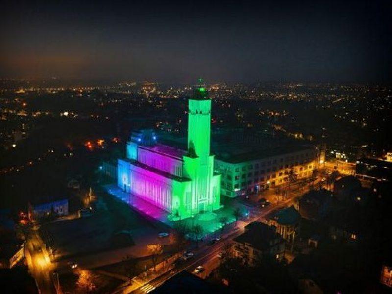 Dėl kilnaus tikslo Kauno Kristaus Priskėlimo bazilika nušvis nekasdieniškomis spalvomis