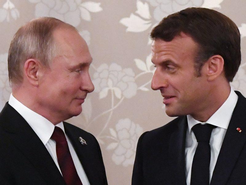 Kremlius: V. Putinas ir E. Macronas ragina išsaugoti branduolinį susitarimą su Iranu
