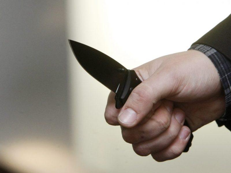 Kaune trys asmenys užpuolė ir sužalojo vyrą