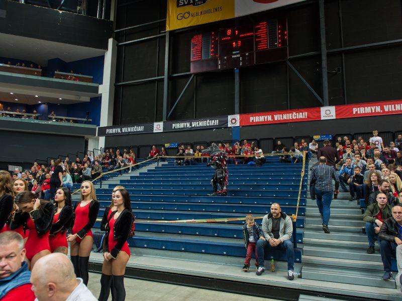"""Incidentas """"Siemens"""" arenoje – krepšinio sirgaliai švaistėsi kumščiais"""