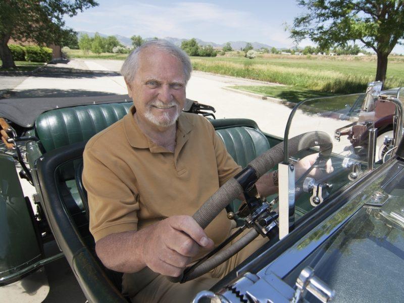 JAV mirė rašytojas ir nuskendusių laivų ieškotojas C. Cussleris