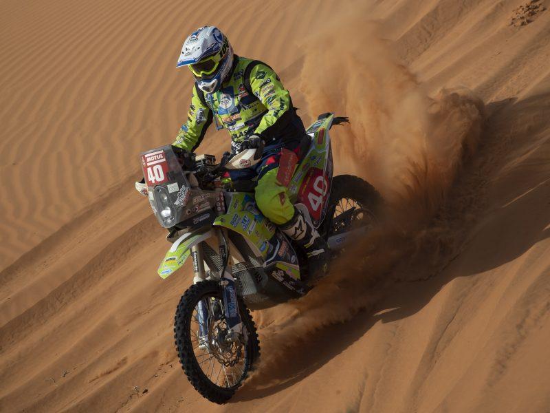 Per Dakaro ralį susižalojęs olandų motociklininkas E. Straveris mirė