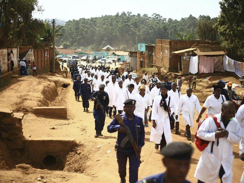 Ebolos karštinė toliau plinta: pasiglemžė jau antrą auką