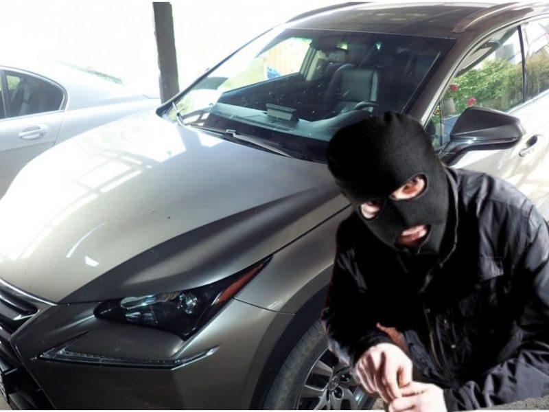 """Klaipėdoje siautėja ilgapirščiai: pavogė prabangaus """"Lexus"""" detalę"""