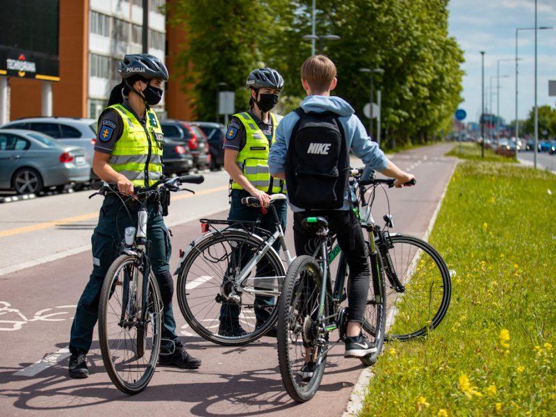 Pasaulinei dviračių dienai paminėti – Klaipėdos apskrities pareigūnų priemonės saugumui priminti