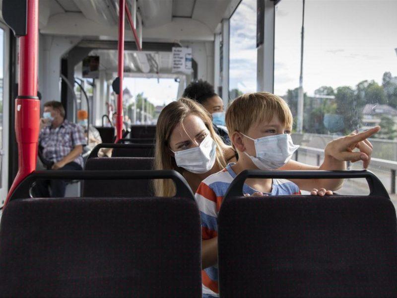 JAV bus reikalaujama dėvėti kaukes viešajame transporte