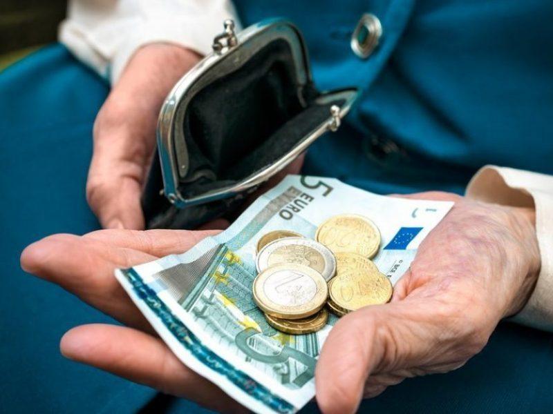 Paskaičiuota, kiek kitąmet didėtų senatvės pensijos
