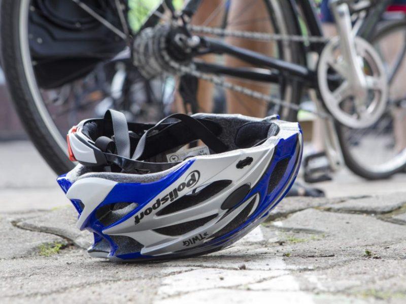 Radviliškyje vaiką sužalojęs dviratininkas paspruko: berniukui lūžo kaulai