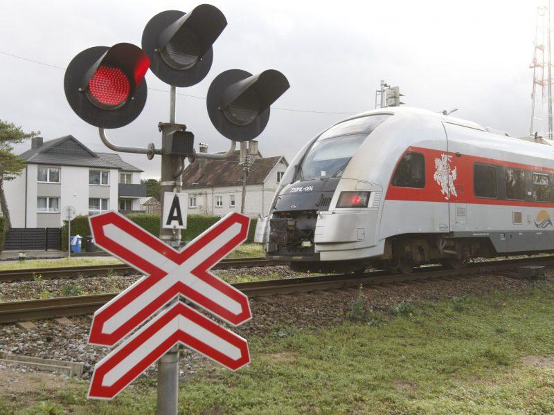 Išvarginti klaipėdiečiai kenčia pragarą: skundžiasi padidėjusia traukinių vibracija