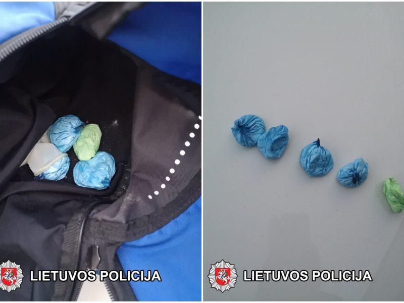 Sulaikymo operacija Marijampolėje: pareigūnai sučiupo kokaino prekeivį ir pirkėją