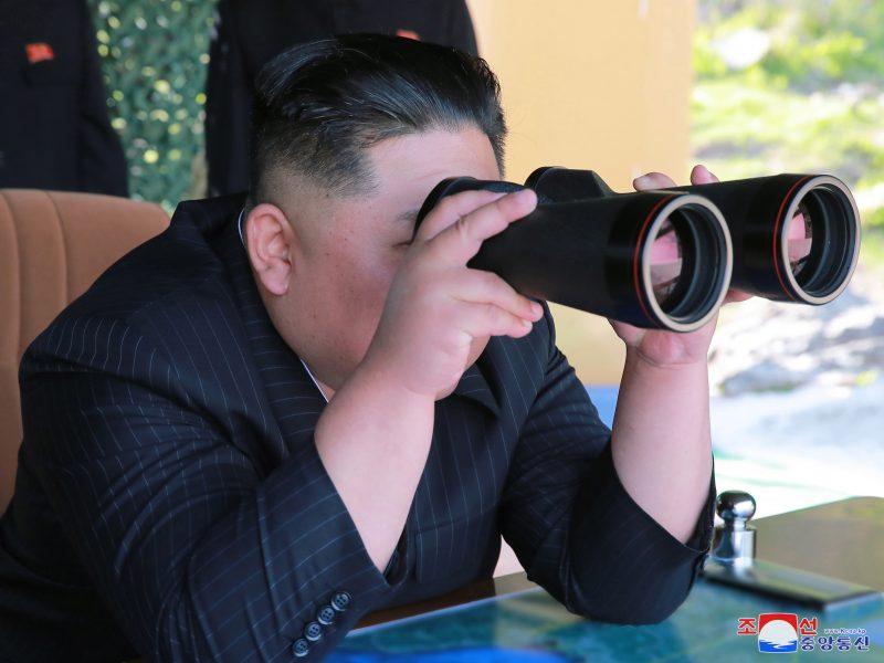 """Šiaurės Korėja atliko """"ilgojo nuotolio puolimo"""" pratybas"""