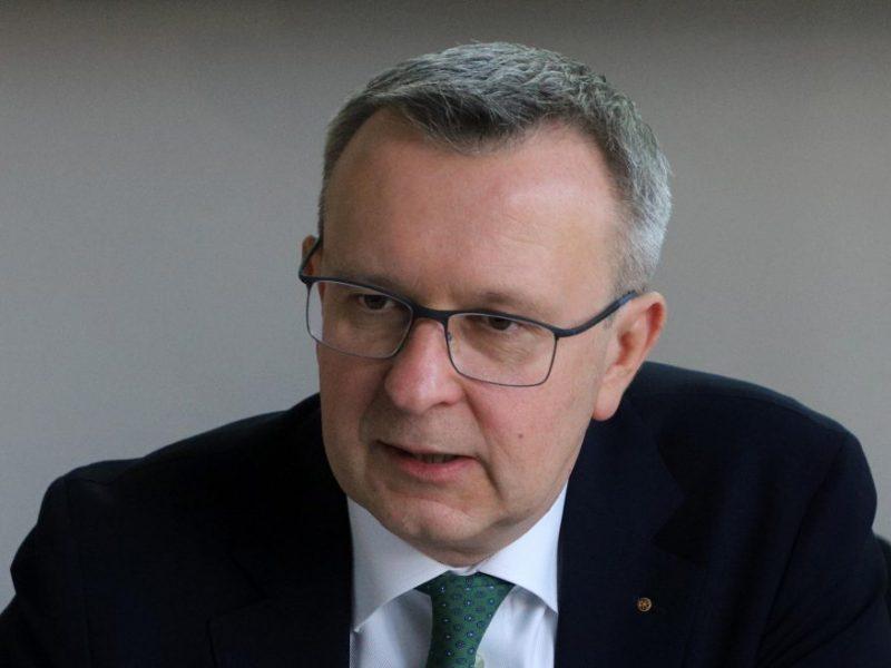 M. Zalatorius: bankų apmokestinimas užkrautų naštą žmonėms