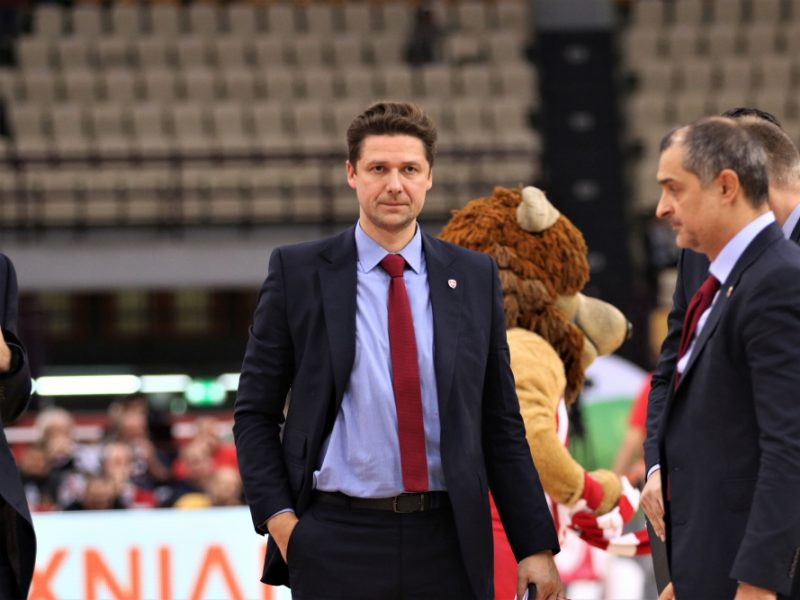 """Kartu su K. Kemzūra """"Olympiakos"""" komandą palieka ir jo asistentas D. Kairys"""