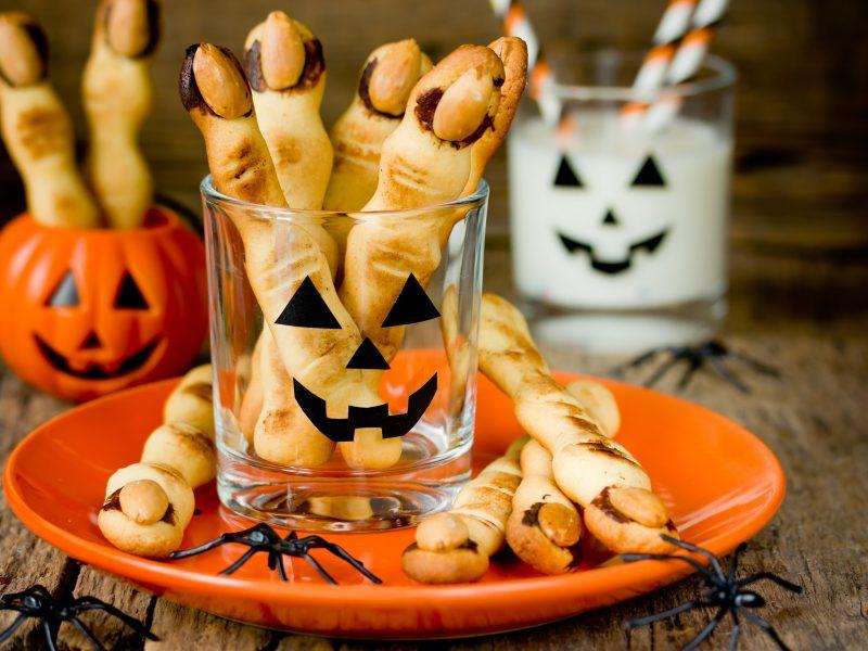 """Pasiruošimas Helovino vakarėliui: penkios """"siaubūniškų"""" užkandžių idėjos <span style=color:red;>(receptai)</span>"""
