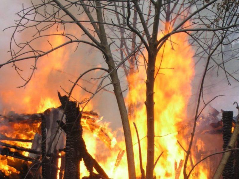 Ilgąjį šventinį savaitgalį kilo 92 gaisrai: du žmonės patyrė traumų