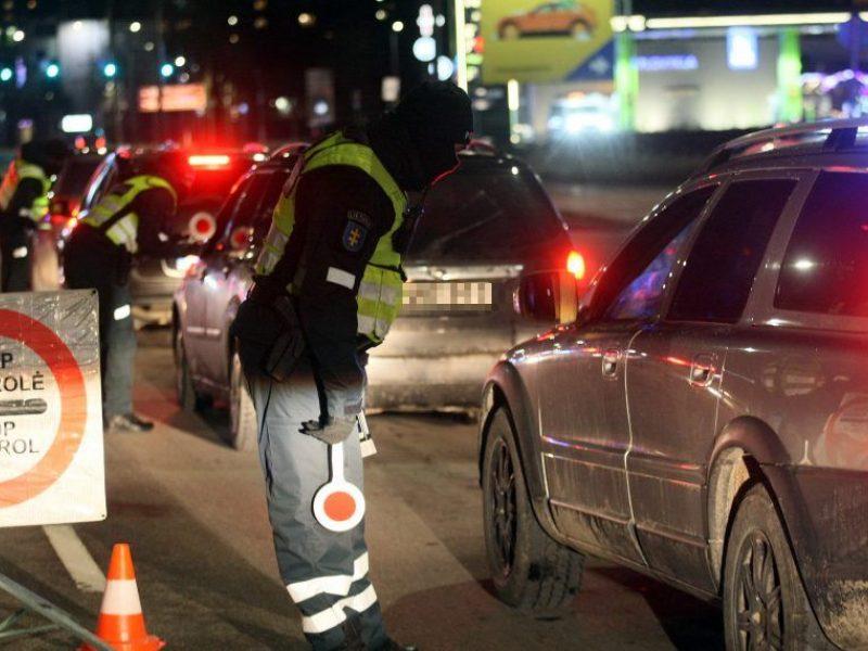 Per ilgąjį šventinį savaitgalį patikros postuose apgręžta per 16 tūkst. automobilių