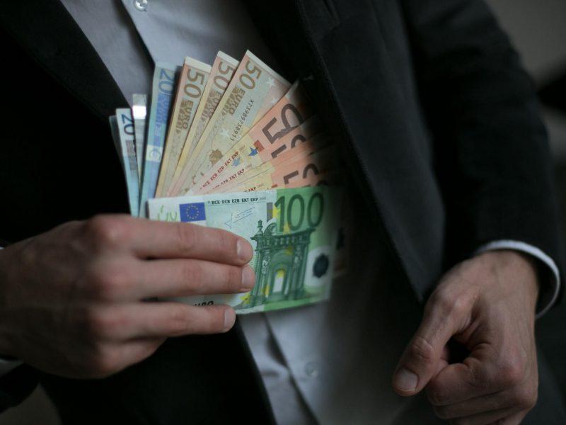 """""""Panevėžio miestprojekto"""" vadovui už kyšininkavimą – 27,5 tūkst. eurų bauda"""