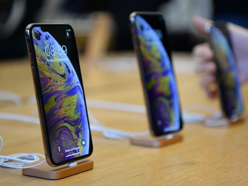 "Belaukiant ""iPhone 11"": ""Apple"" telefonų istorijos apžvalga"