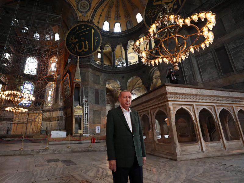 Turkijos prezidentas aplankė vėl mečete paverstą Švč. Išminties soborą