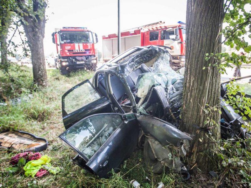Tragiškas savaitgalis keliuose: sužeista daugiau nei pusšimtis žmonių
