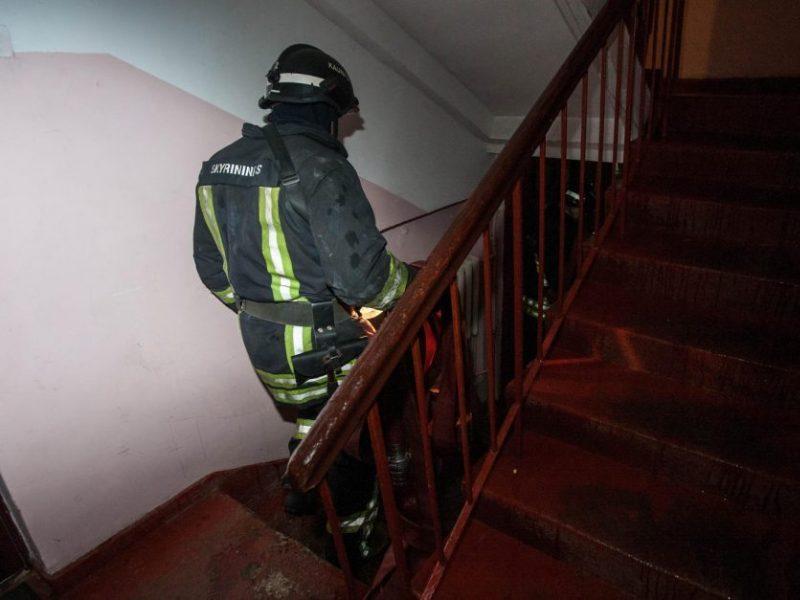Gaisras Vilniuje: pranešta apie degantį butą
