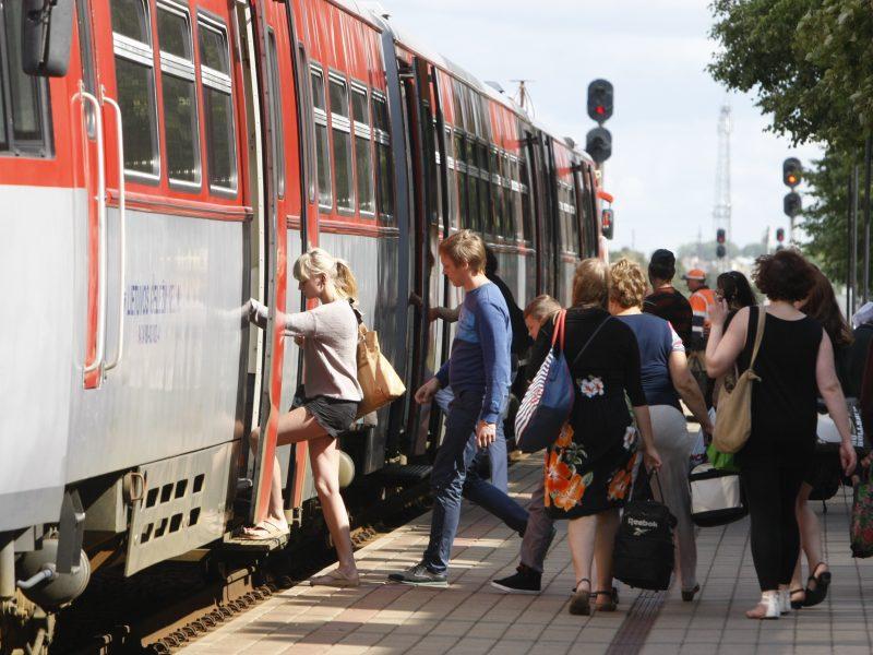 Šią savaitę klaipėdiečiams pasiekti sostinę ar grįžti iš jos traukiniu – sudėtinga