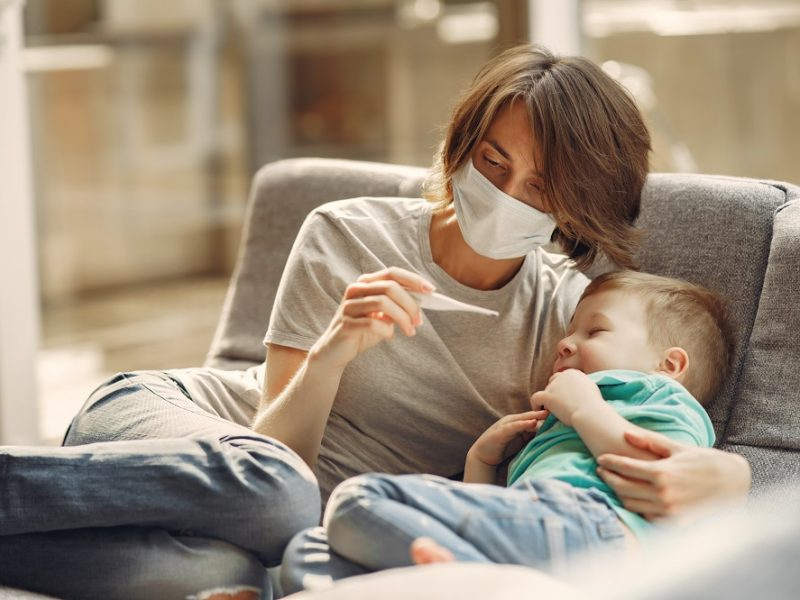 Lietuvoje per parą patvirtinti 2104 nauji koronaviruso atvejai, mirė septyniolika žmonių
